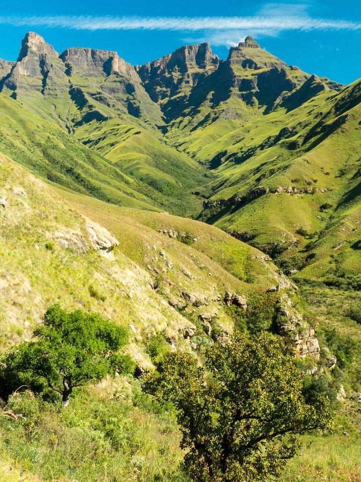 Injisuthi to Mafadi hike, Drakensberg