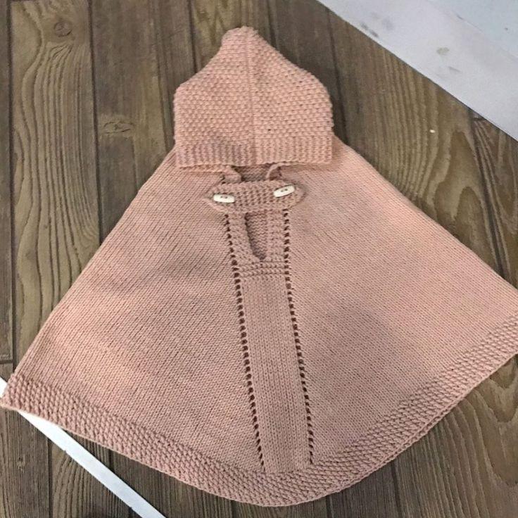 Kız ve erkek bebekler için şiş örgüsü ile örülmüş kapşonlu panço yapılışı. Bir yaş civarındaki bebekler için panço tarifi.