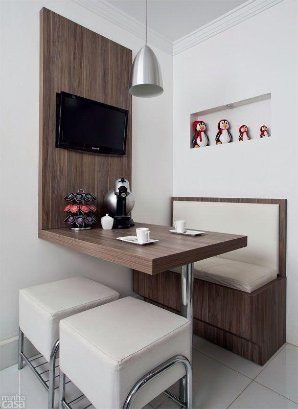 Antes e depois: cozinha e lavanderia em 13 m² - Casa Espacio pequeño, pero muy bien resuelto, para comer en la cocina by Raelynn8