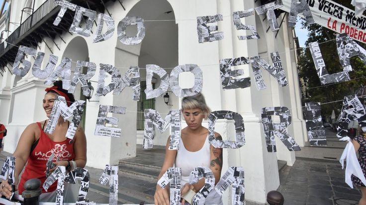 """""""Yo no me olvido"""". 24 de Marzo: Día Nacional de la Memoria por la Verdad y la Justicia. Marchan en Buenos Aires el 24 de marzo de 2017, en el 41º aniversario del golpe de Estado Cívico Militar Genocida.(DyN)"""