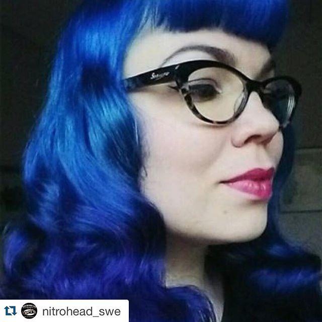 #Repost @nitrohead_swe ・・・ Köp #hårfärgning från #hermansamazinghaircolor på #nitrohead @nitrohead_swe #färgglatt #vegan #hårfärg #hårtoning #färgathåret #blått @hermansprofessional @nitrohead_swe