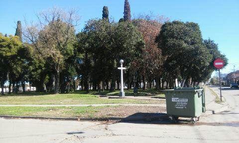 Esquina Suipacha y Pancho Ramírez: Plaza Rocamora (Gualeguay). Lía Di Pascua, estudiante de 1er. año 1a. división Profesorado Educación Primaria