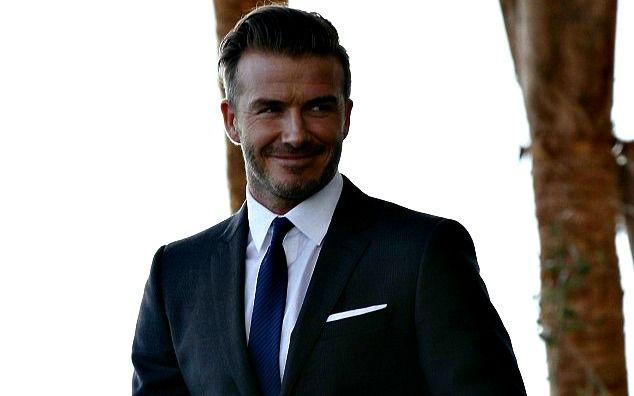 Μπορεί να είναι style icon από μόνος του, αλλά ο David Beckham αποκάλυψε πως η σύζυγός του, Victoria, του λέει τι να μην φορέσει! Σε συνέντευξή του, ο David είπε πως σε πολλές περιπτώσεις η γυναίκα του και σχεδιάστρια μόδας δεν συμφωνεί με τις στιλιστικές του επιλογές. Ο διάσημος ποδοσφαιριστής δήλωσε: «Είναι η γυναίκα μου, [...]