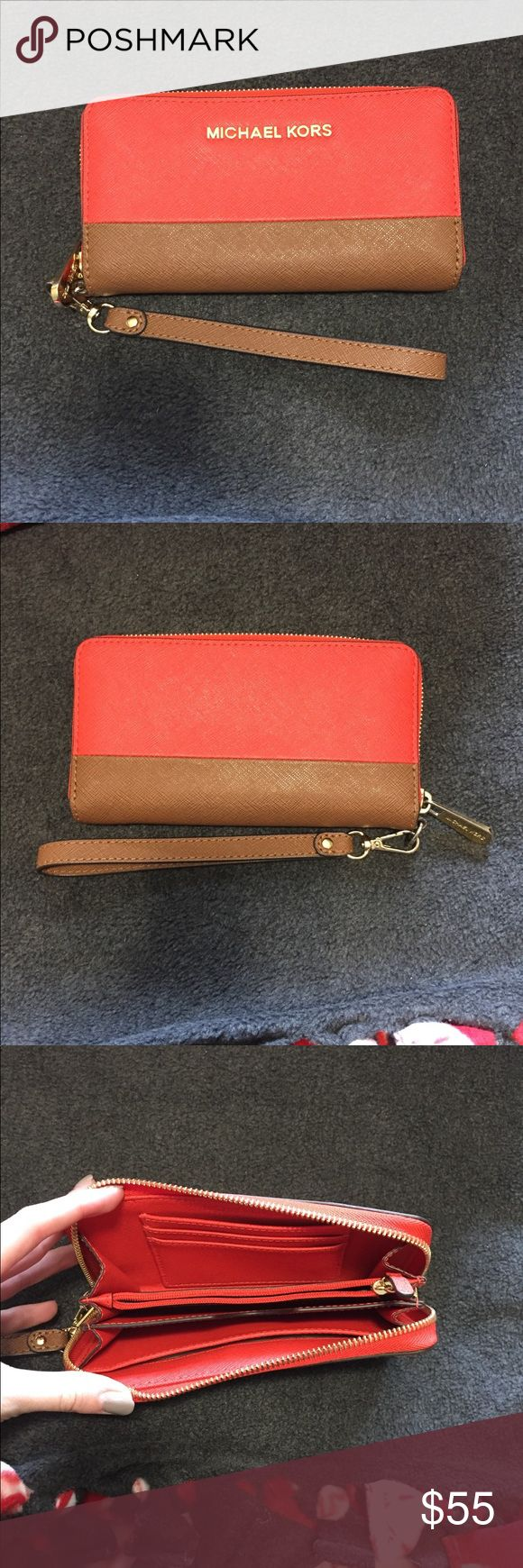 Michael Kors Jet Set Wallet EUC! Holds an iPhone 5/5s, but may hold a 6 with a thin case on! No signs of wear. Great for college students! Michael Kors Bags Clutches & Wristlets