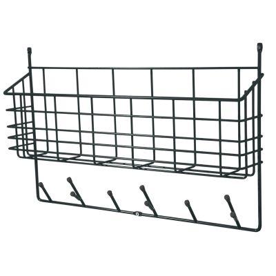 Mitten Shelf är en praktisk förvaringshylla med både krokar och korg.Tillverkad i me...