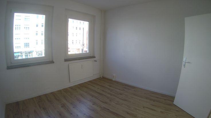 ruhig schlafen zum  #Innenhof 2er  WG  taugliche  3  Zimmer  #Mietwohnung in  #Berlin - #Mitte am  #Rosenthaler Platz  #Wohnzimmer  mit  #SüdBalkon zwei #Schlafzimmer  #Wannenbad mit Fenster, Wohnküche mir Spüle-E-Herd,  Dielenbereich,  #Berlin.Bln24.de #BerlinImmobilienDüsseldorf #ferienwohnungen.bln24.de #wohnung.bln24.de #Berlin.Bln24.de #Berlin-Wohnungen.Bln24.de #instagram.com/thomasfishergmx.eu  #youtube.com/channel/UCjGsYwS0ojyq8SyF5Em94yw #pinterest.com/fisher7527…