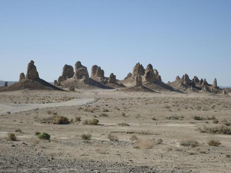 Road to trona pinnacles