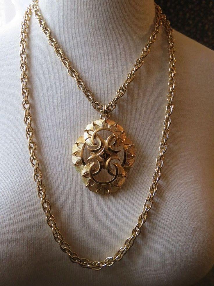 VTG Couture Trifari Pendant Necklace Double Chain Thick Gold Plated Designer EUC #Trifari #Pendant