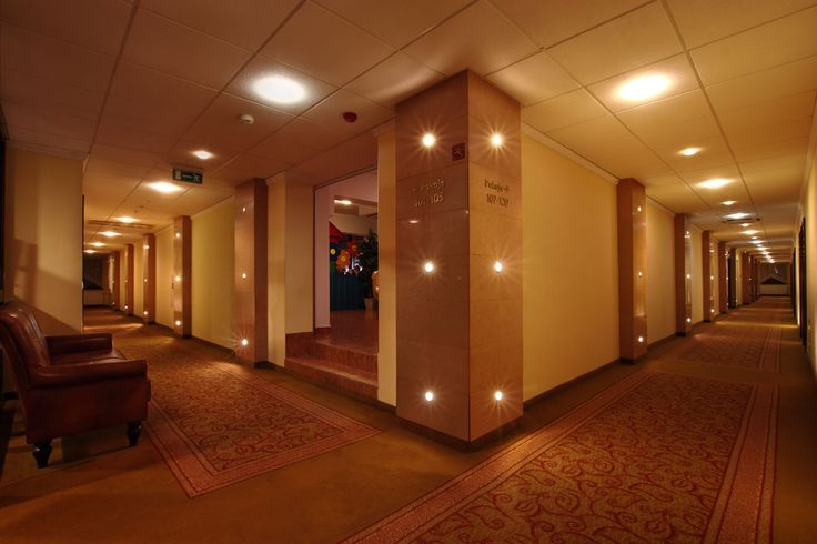 Lubicie przestronne i dobrze oświetlone wnętrza?  http://www.hotelklimek.pl/hotelklimekspa/hotel  #hotel #interior #thehotel #muszyna #polska #poland #beskidy #odpoczynek #luxury #korytarz #corridor