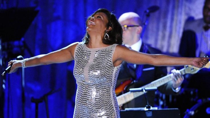 A 3D moving image of the late singer Whitney Houston is being developed by a US entertainment firm.
