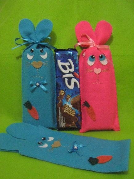 Embalagem para chocolate bis.Em todas as cores. Chocolate não incluso, apenas para ilustrar. Temos também embalagem de coelho para caixas de bombom no valor de R$ 5,30 a unidade. R$ 3,90