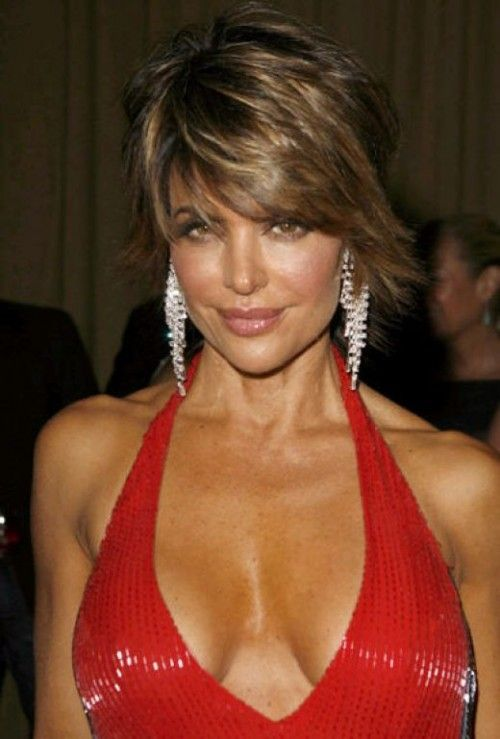 How to Get Lisa Rinna's Hairstyle - Step by Step Tutorial   Hair styles, Rhianna hairstyles ...