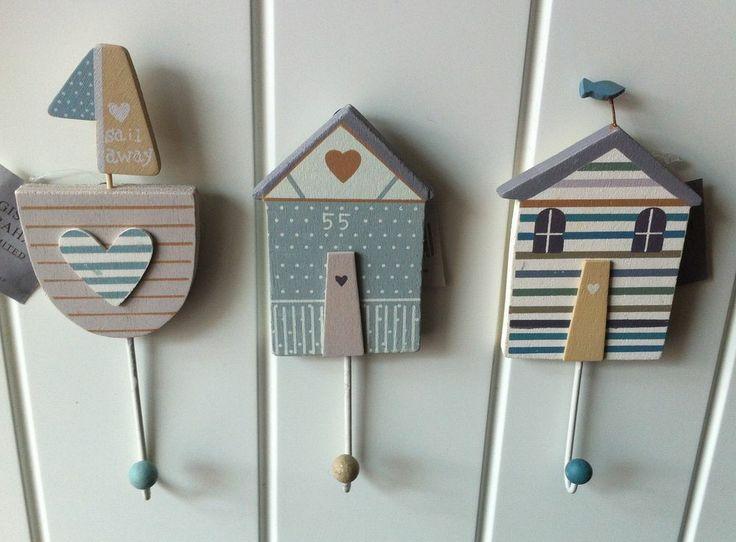Gisela Graham 3 x Nautical Hooks Bathroom Towel Pegs Blue Cream Heart Shoreline