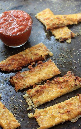 Kids and adults alike will love this healthy, ooey-gooey Cauliflower Cheese Bread w/ Marinara Dipping Sauce