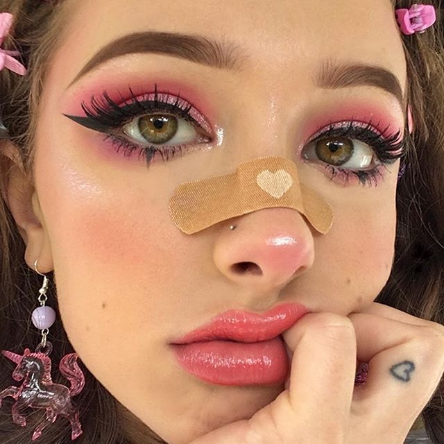 1,182 seguidores, 976 seguindo, 2 publicações - Veja as fotos e vídeos do Instagram de Jennife… | Maquilhagem kawaii, Ideias para maquilhagem, Maquiagem alternativa