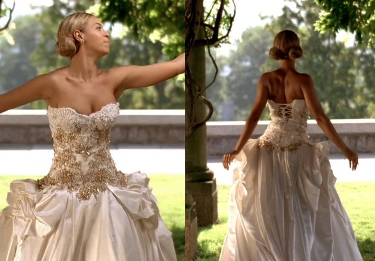 "While the world may never get a glimpse of Beyonce on her wedding day, the pop star wore a Baracci gown in her ""Best Thing I Never Had"" video that was simply stunning. 