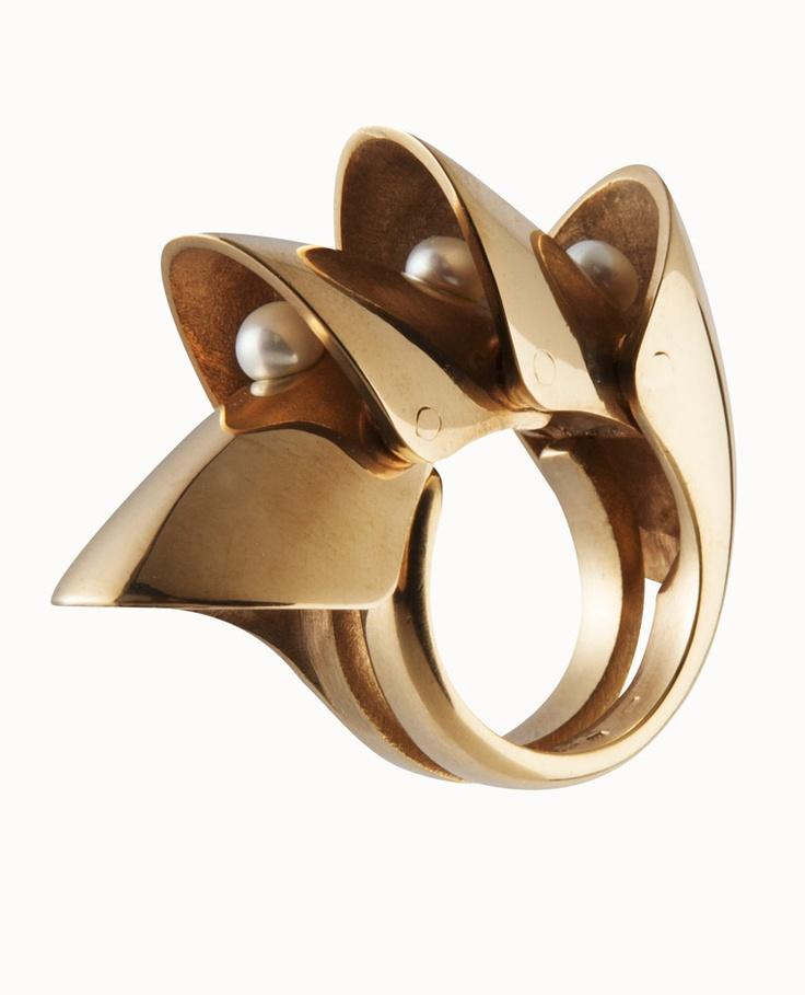 SEAHORSE PEARL RING / 24-karat rose gold-plated silver / fresh-water pearl