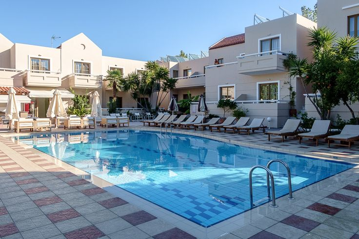There is nothing like relaxing by the pool early in the morning when it is peaceful and quiet. Simply amazing! https://www.oscarvillage.com/hotel-pools  #Oscar #OscarHotel #OscarSuites #OscarVillage #OscarSuitesVillage #HotelChania #HotelinChania #HolidaysChania #HolidaysCrete #HolidaysAgiaMarina #HotelAgiaMarina #HotelCrete #Crete #Chania #AgiaMarina #VacationCrete #VacationAgiaMarina #VacationChania