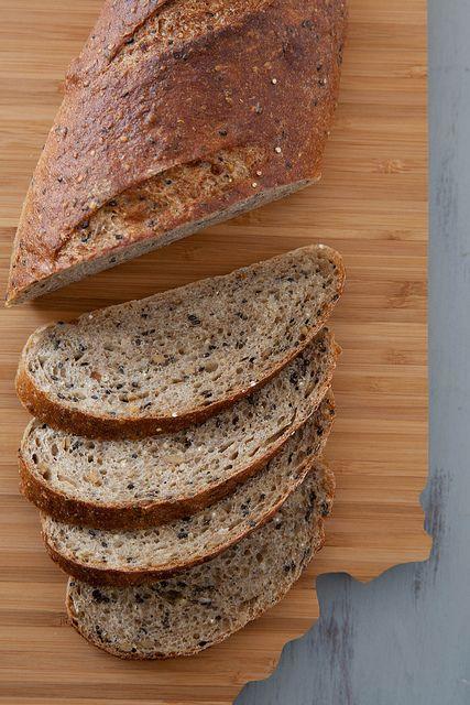 Pão multigrãos.