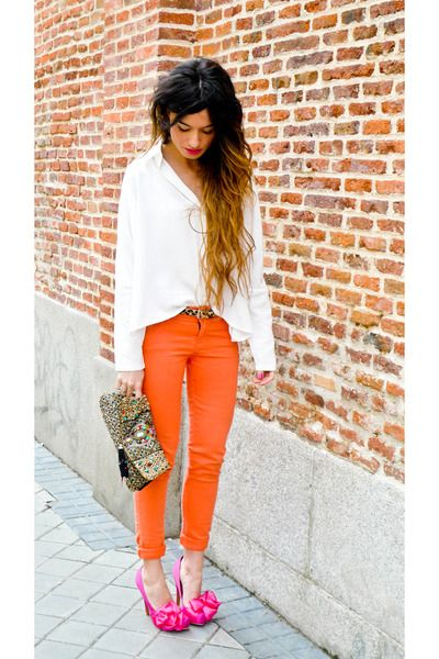 Mixing brights: Outfits, Fashion, Orange Jeans, Style, Ombre Hair, Orange Pants, Clothing, Colors, Pink Shoes