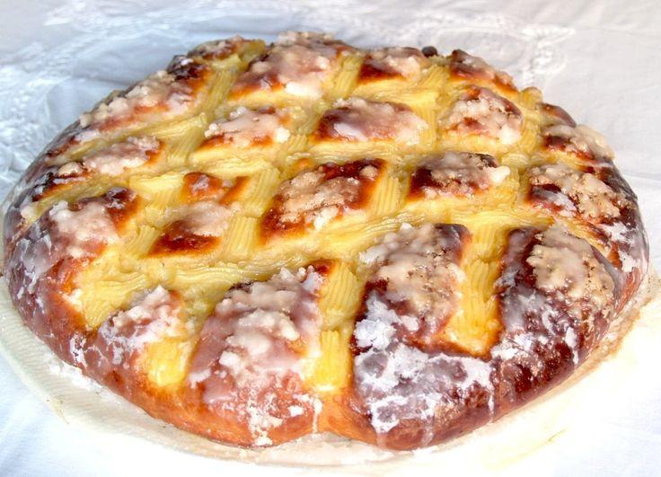 Mucho tiempo hacía que tenía ganas de hacer esta receta. Es uno de mis dulces preferidos, típico en Galicia, una delicia, suave y esponj...