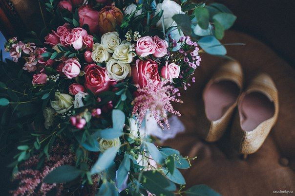 #bridalbouquet #weddingbouquet #bouquet #thebridesbouquet #vaksflauer #eucalyptus #whitewedding # #flowers #flower #rosebush #eustoma #astilbe #wedding #bride #newlyweds #weddingday #brideshoes #букетневесты #свадебныйбукет #букет #белаясвадьба #кустоваяроза #эвкалипт #ваксфлауэр #розоваяроза #астильба #свадьба #невеста #молодожены #свадебноеплатье #свадебныйдень