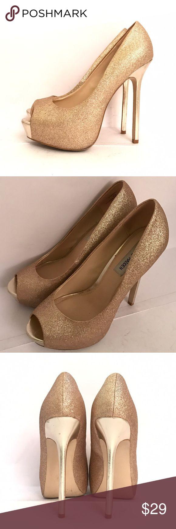 "Steve Madden Platform Gold Glitter Pumps Super pretty champagne gold peep toe platform pumps. great condition!!! Heel height 5.5"" size 8.5 Steve Madden Shoes Platforms"