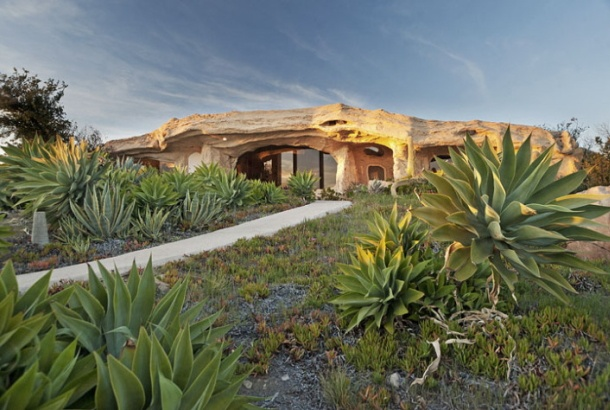 Suprisingly Beautiful Flintstones Romantic Retreat House in Malibu