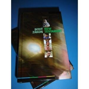 Czeh - English New Testament / Bilingual / Novy Zakon - New Testament / Cesko-anglicky Novy zakon (Kapesni Vydani) / Czech it is the majority language in the Czech Republic and spoken by Czechs worldwide