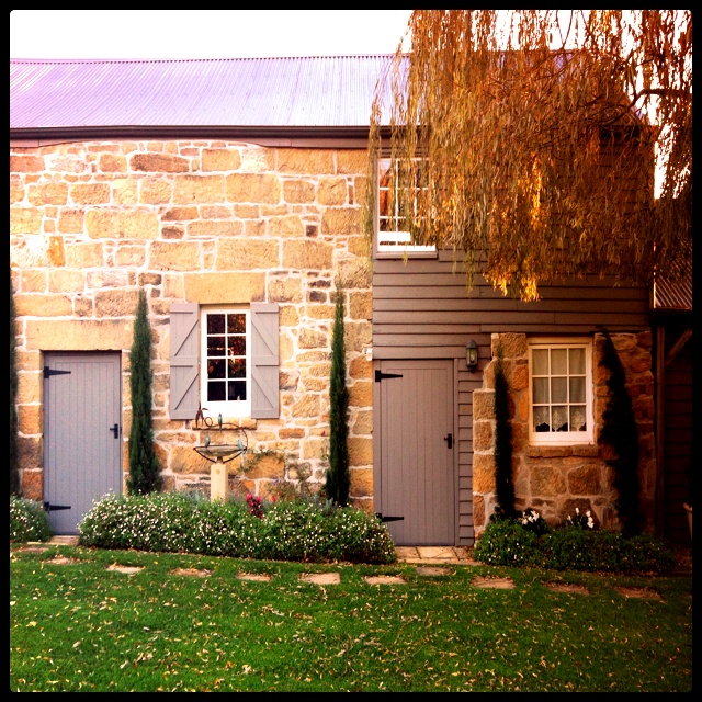 Red Feather Inn - French country style in Tasmania