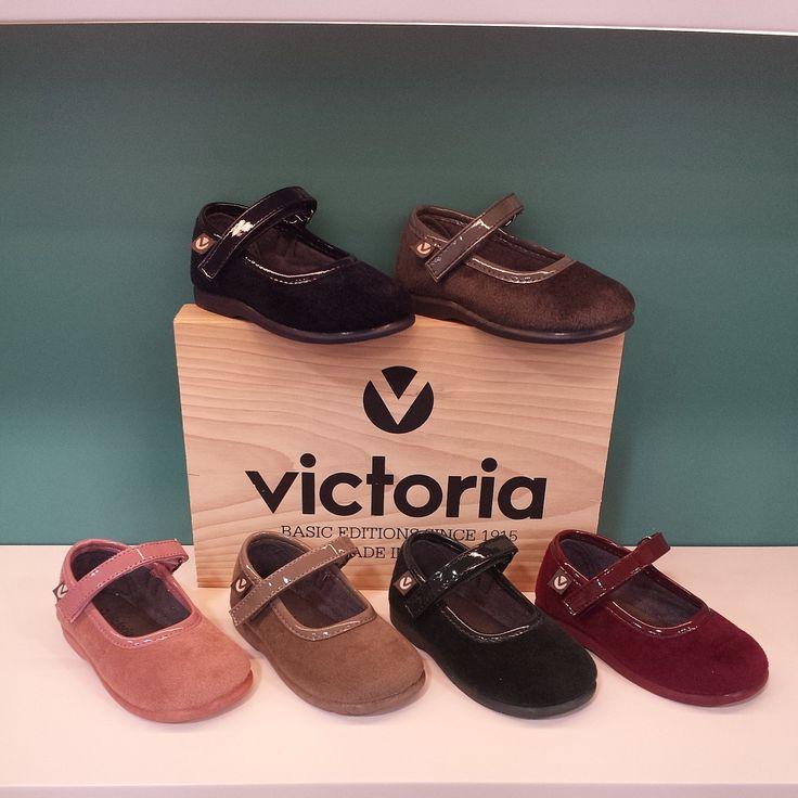 Merceditas de terciopelo ''Victoria'' Del 20 al 27 -> 21€