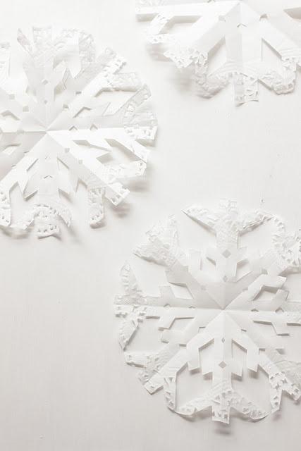 tutorial: cute doily snowflake!