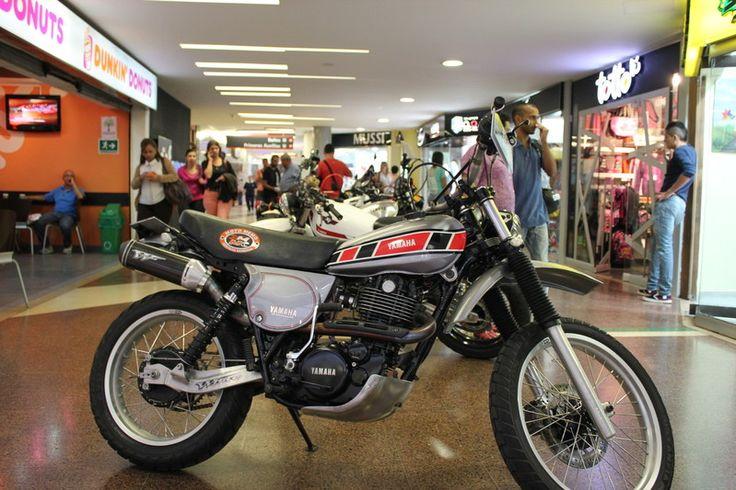 Espectaculares restauraciones, por www.yamaha500club... Medellin Colombia