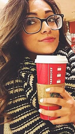 Fc: Bethany mota ))Hey I'm Payson!! I'm super popular and I intended to keep it that way * smiles * I'll do whatever it takes so you better back off! My brother is Logan who is really popular and I have a little sister who doesn't even exist.