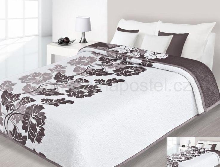 Přehoz na postel oboustranný bílý s hnědými květy