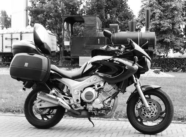 Moto Vs treno