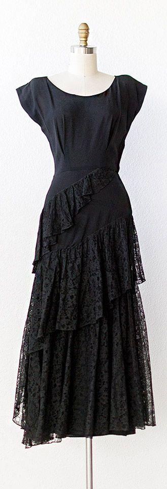 vintage 1940s dress | vintage 1940s HERITAGE LACE dress