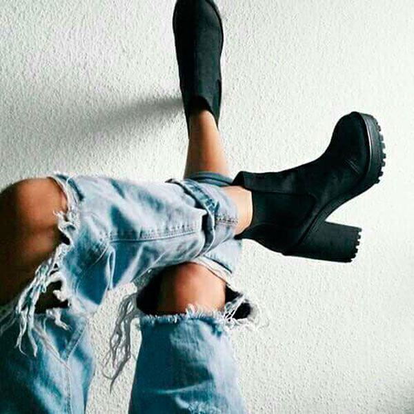 Sapato tendência salto tratorado street style
