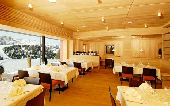 Sabato 22 giugno tutti al RIFUGIO LODGE LAS VEGAS per una cena a base di vini top di gamma senza solfiti aggiunti. Chi vorrebbe mancare?