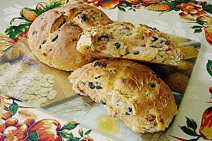 Brot mit Oliven und getrockneten Tomaten, ein schmackhaftes Rezept aus der Kategorie Brot und Brötchen. Bewertungen: 43. Durchschnitt: Ø 4,5.