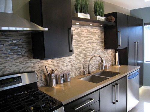 backsplash: Kitchens Remodel, Glasses Tile, Kitchens Design, Contemporary Kitchens, Back Splash, Dark Cabinets, Kitchens Ideas, Kitchens Backsplash, Modern Kitchens