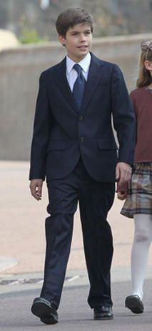 Charles Armstrong-Jones Relationship to the throne: Grand-nephew of Queen Elizabeth II (son of David Armstrong-Jones, Viscount Charles Armstrong-Jones. Grand-nephew of Queen Elizabeth II (son of David Armstrong-Jones, Viscount Linley and Serena Armstrong-Jones, Viscountess Linley) Born: July 1, 1999.