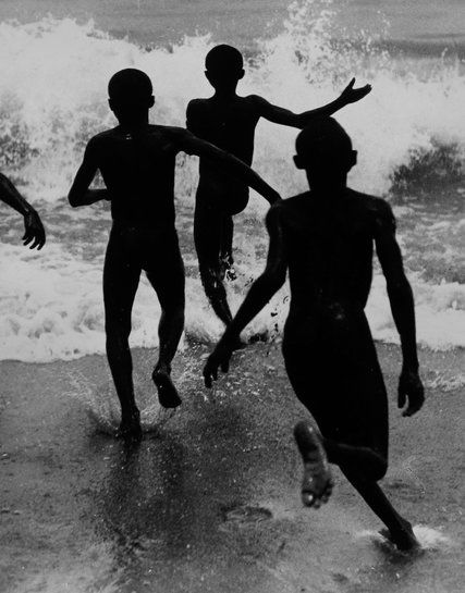 The ''decisive moment,'' in the work of Henri Cartier-Bresson and his stylistic followers, is a mysteriously precise collaboration with the world.