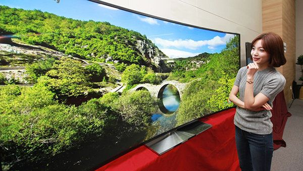 CES Rumors: Curved TVs, Phones that Flex, and a Surprise from Sony