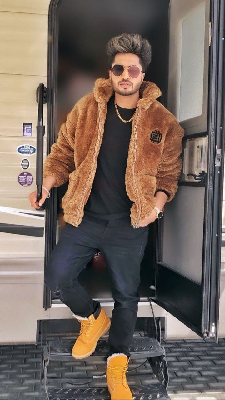 Image By Farwa Ibrahim On Jassi Gill Jassi Gill Hairstyle