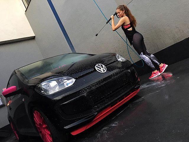 Car happy - Jenny happy  #car #cargirl #vwgirl #vw #vwup #volkswagen #volkswagenup #upsociety #vwlife #vwlifestyle #carwash #clean #carwashtime #me #girl #body #leggings #fitness #ass #adidas #adidasleggings #nike #pink #airmax #lowered #lowvag #lowvw #static