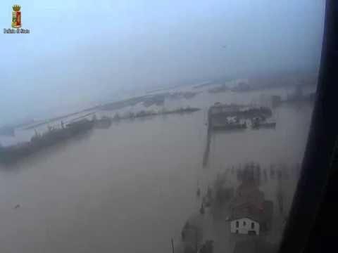 Alluvione Modena - Video da Elicottero Polizia : Fiume Secchia