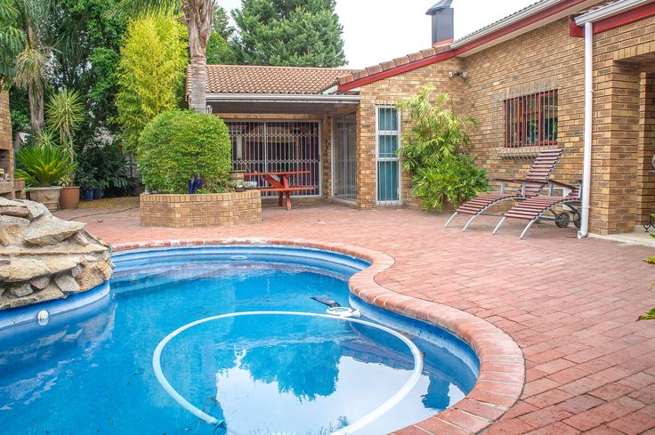 The swimming pool makes for a wonderful centrepiece and it feels as if the house was designed around it.