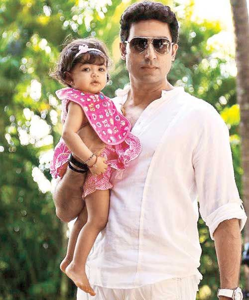 Aaradhya Bachchan with her Paa in Goa