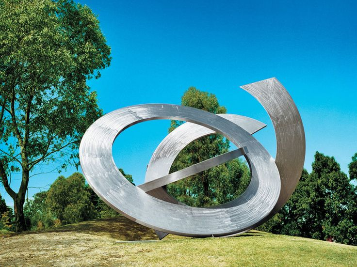 Rings of Saturn, by Inge King, adorns the lawn at the Heide, a modern art museum which occupies land that in the 1930s was home to a Bloomsbury-like artists